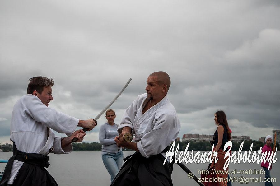 Профессиональный фотограф в Днепре и Киеве, репортажная фотография, бой самураев, айкидо, набережная