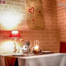 інтер'єр ресторану, стіл на двох
